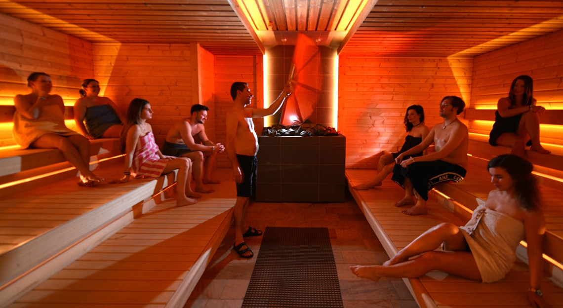 sauna relaxen entspannung pur aquamagis. Black Bedroom Furniture Sets. Home Design Ideas
